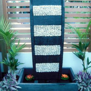 Curved Panel with White Pebbles FIA043