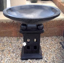 FIA049 Terrazzo Lantern Birdbath Black