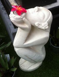 Praying Lady Creme SGR005